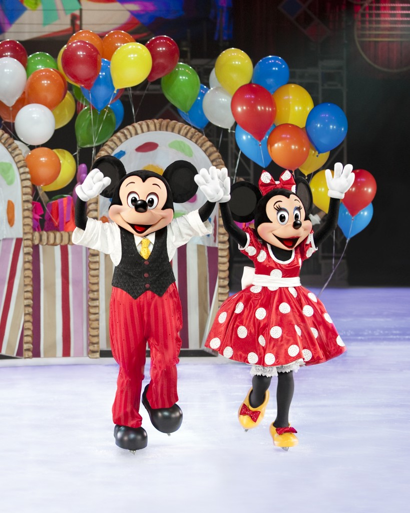 D30_Mickey and Minnie Balloon