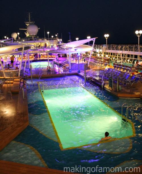 Majesty-Pool-Night