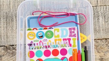 DIY-Travel-Entertainment-Pack-Kids