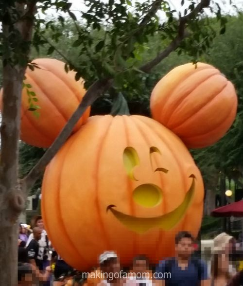 Disneyland-Pumpkin-Mickey