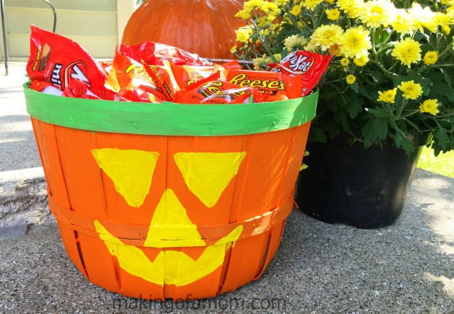 candy-bucket-upclose