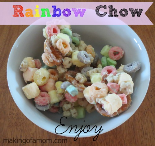Rainbow_chow_snack_pieces