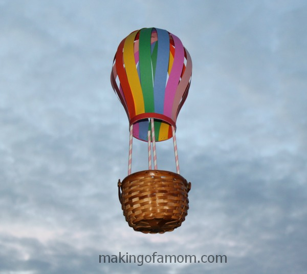 hot-air-balloon-valentine-mailbox