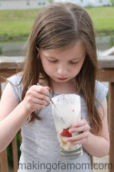 kids-Strawberry-Shortcake-Trifle