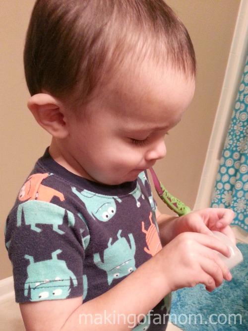 eli-brushing-his-teeth