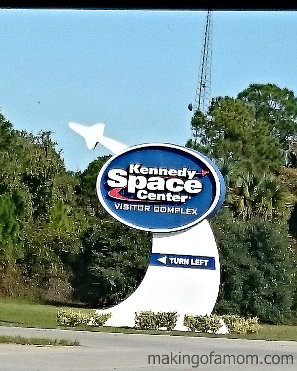 Kennedy-Space-Center-Sign