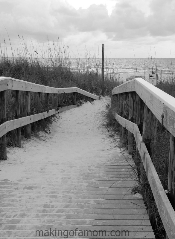 Walkway-to-beach