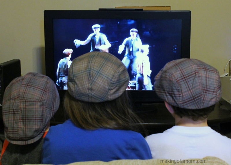 Watching-Newsies